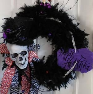 Black Feather Skull Halloween Wreath