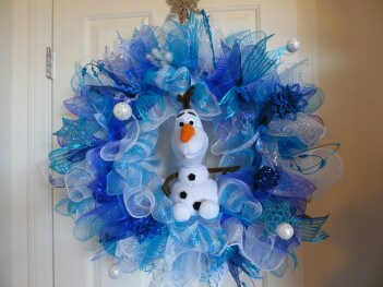Frozen O Deco Mesh Wreath