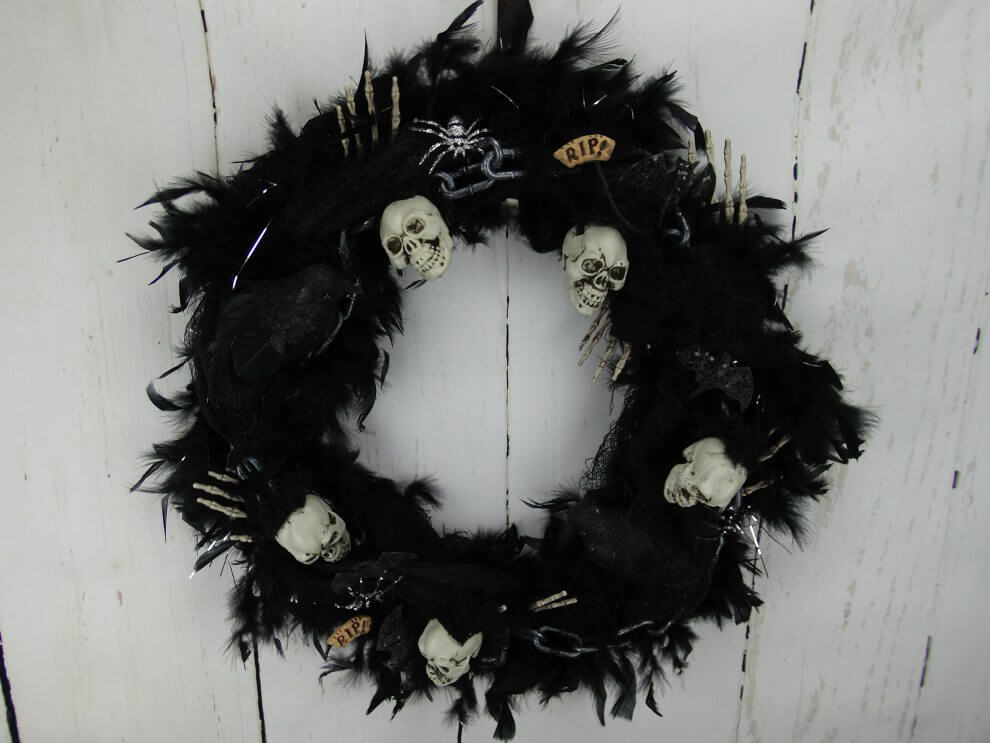 Halloween skull and chains feather wreath home decor