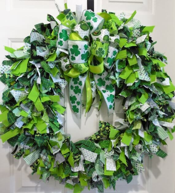 St. Patty's Day Rag Wreath with bow