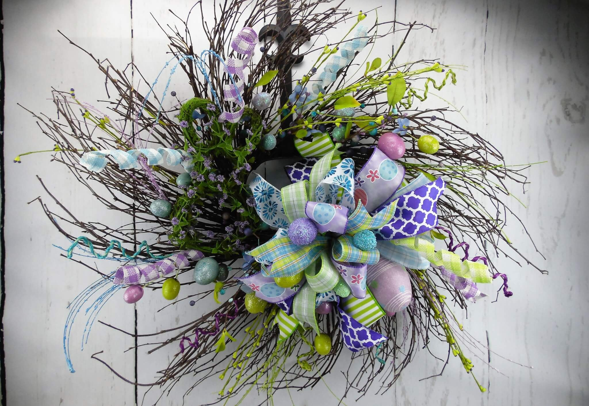 Whispy Easter Wood Wreath