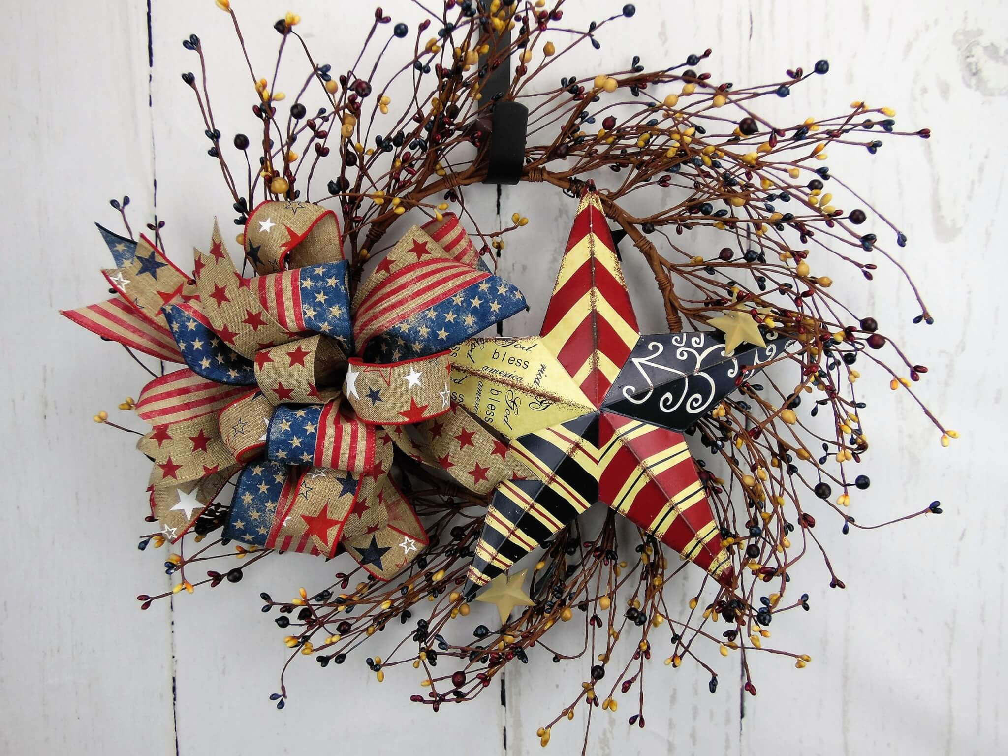 Small Patriotic Pip Berry Star Wreath