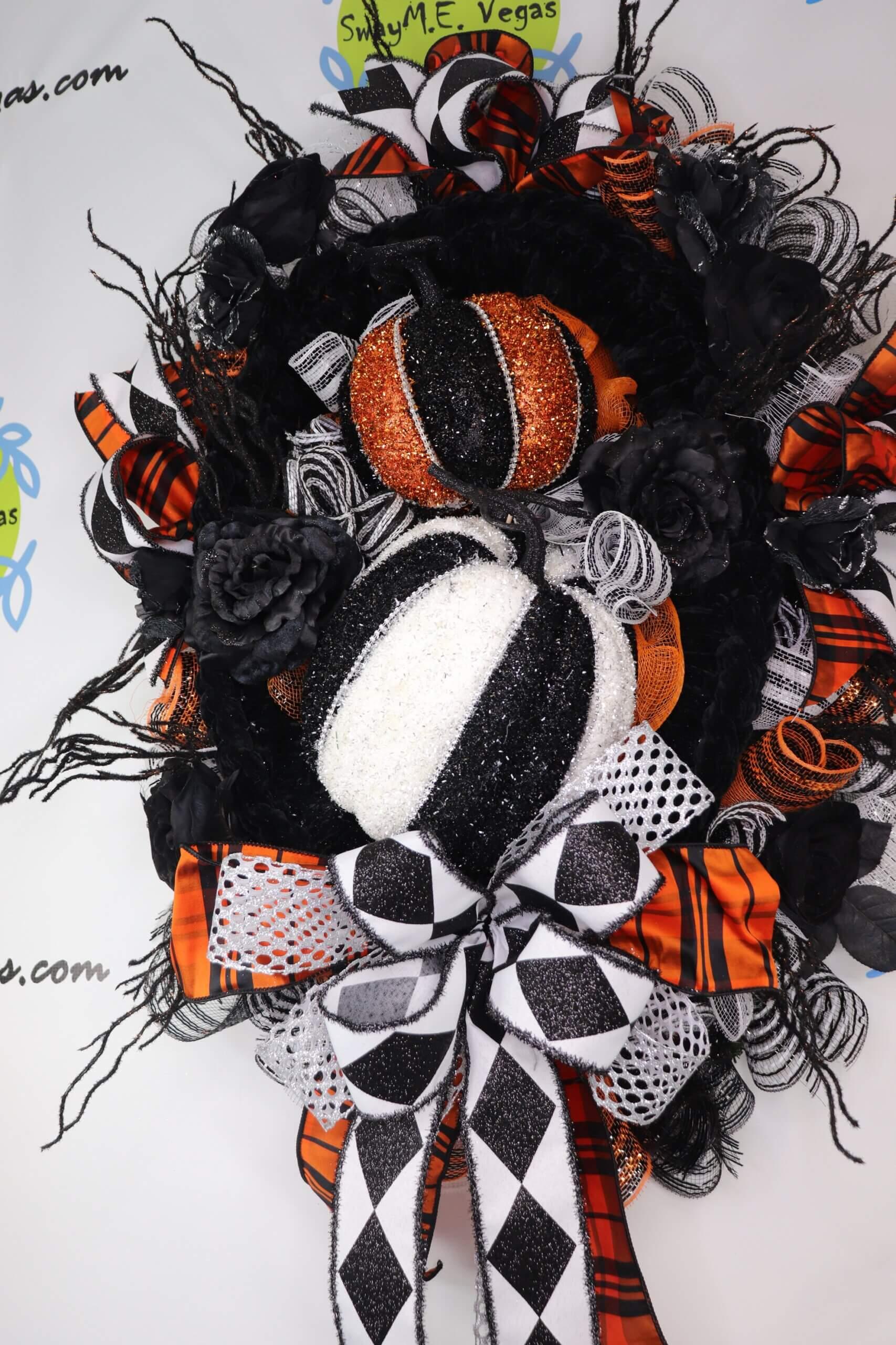 Halloween Glam Pumpkin Velvet Wreath Black White 0 scaled
