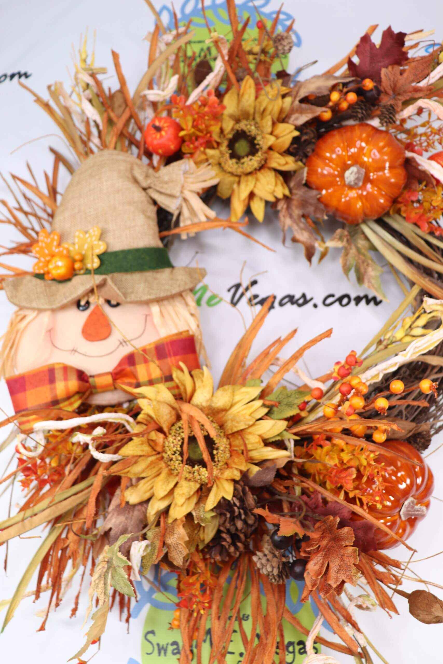 Scarecrow Fall Grapevine Wreath 0 scaled